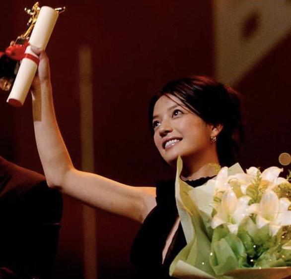 Triệu Vy bị thu hồi giải thưởng, danh hiệu, chính thức rút khỏi giới giải trí - Ảnh 2.