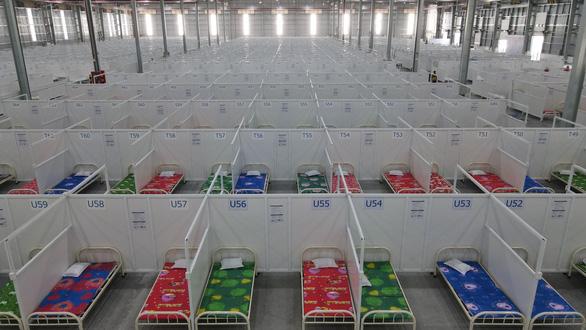 8.300 giường cho F0 đưa vào sử dụng gấp tại Bình Dương - Ảnh 2.