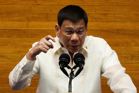 Nhận vắc xin từ Mỹ, ông Duterte xoay chiều nhanh chóng - Ảnh 1.