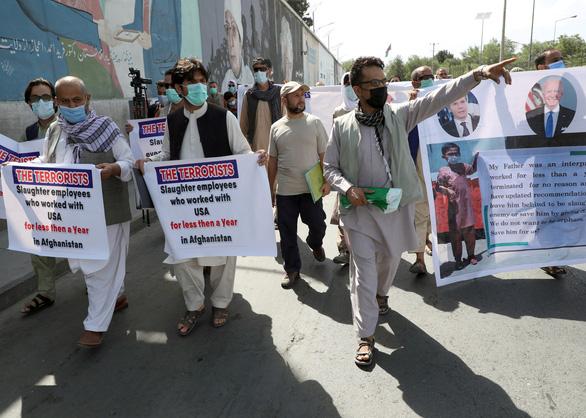 Thêm hàng ngàn người Afghanistan có thể di cư tới Mỹ, tránh bị Taliban báo thù - Ảnh 1.