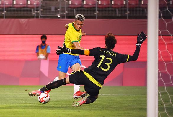 Đánh bại Mexico trên chấm luân lưu, Brazil vào chung kết Olympic Tokyo - Ảnh 1.