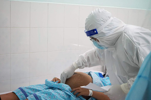 Ở nơi chăm sóc, điều trị cho 120 sản phụ mắc COVID-19 - Ảnh 1.