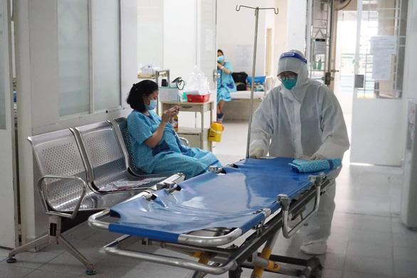 Ở nơi chăm sóc, điều trị cho 120 sản phụ mắc COVID-19 - Ảnh 4.