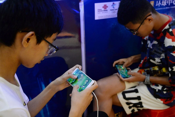 Báo Trung Quốc: Game online là thuốc phiện tinh thần, Tencent mất vèo 60 tỉ USD - Ảnh 2.