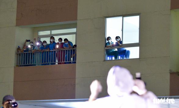 Cẩm Vân, Tóc Tiên, Lê Minh... hát ở Bệnh viện dã chiến số 11 tại Thủ Đức - Ảnh 11.
