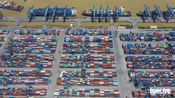 Hỏa tốc giảm ùn ứ ở cảng Cát Lái - Ảnh 1.