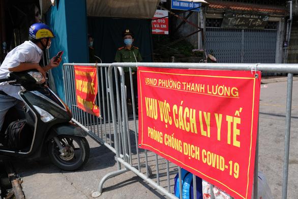 Xu hướng dịch COVID-19 ở Hà Nội: chờ 2 ngày nữa - Ảnh 1.