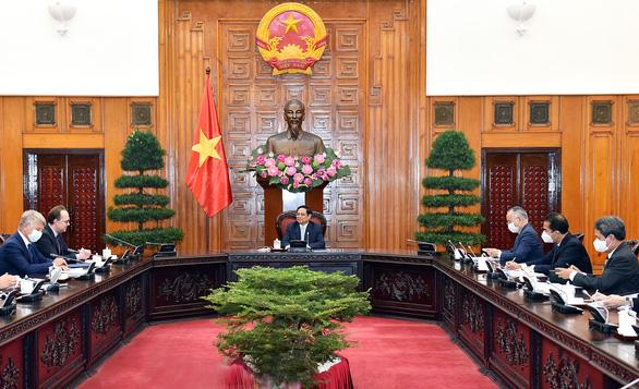 Thủ tướng đề nghị Nga ưu tiên để Việt Nam nhận được vắc xin sớm nhất - Ảnh 2.