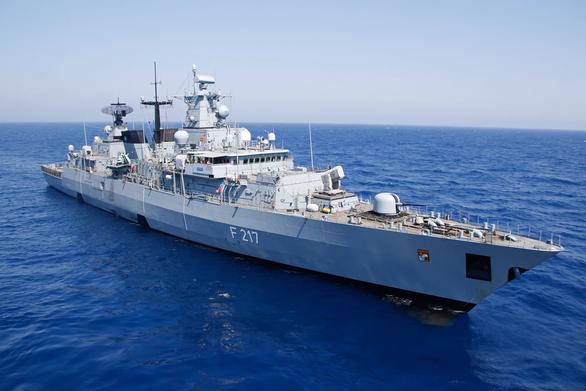Bắc Kinh đòi Đức làm rõ động cơ đưa tàu chiến qua Biển Đông - Ảnh 1.