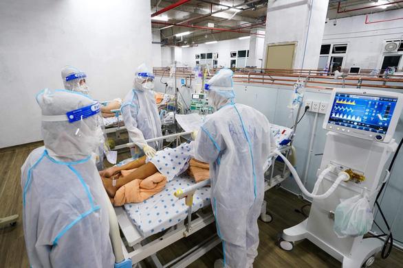 Cứu sống thai phụ mắc COVID-19 phổi đã bị tổn thương nặng - Ảnh 1.