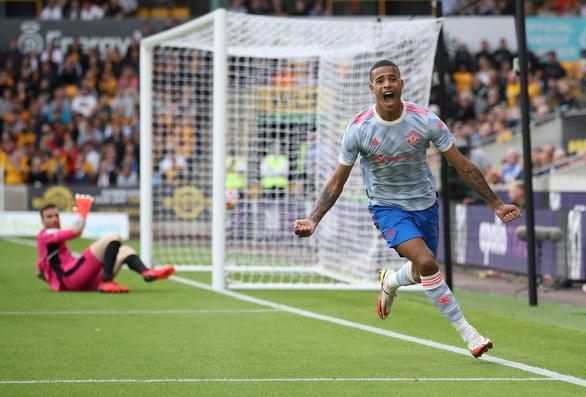 Greenwood tỏa sáng, Man Utd lập kỷ lục bất bại mới trên sân khách - Ảnh 2.