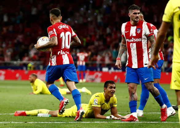 Pha đốt đền lãng xẹt của Mandi phút 90+5 giúp Atletico Madrid có 1 điểm - Ảnh 1.