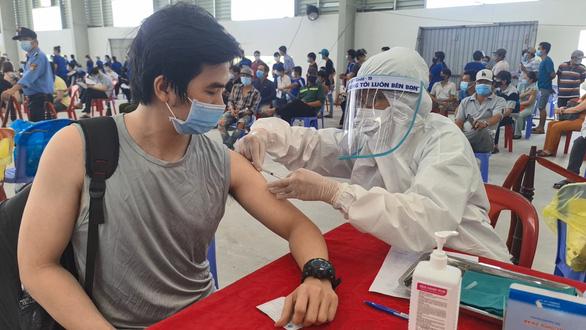 Bí thư Bình Dương: Sẽ tiêm 1 triệu liều vắc xin Vero Cell do TP.HCM chia sẻ - Ảnh 1.