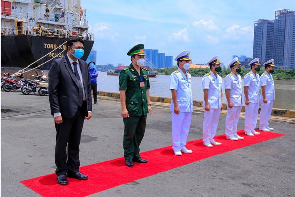 Ấn Độ hỗ trợ 300 máy tạo oxy và 100 tấn oxy y tế cho Việt Nam - Ảnh 1.