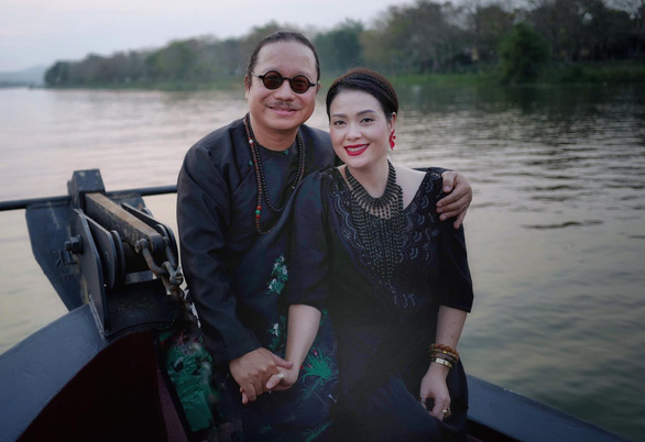 Trên giường bệnh, nghệ sĩ Trần Mạnh Tuấn chảy nước mắt khi nghe vợ gọi - Ảnh 4.
