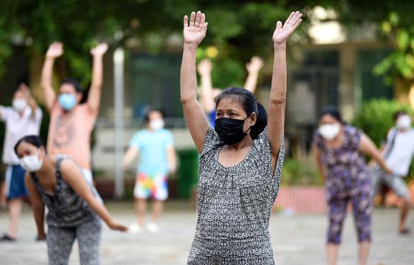 Đi bộ 6 phút phát hiện sớm tổn thương phổi ở người F0 - Ảnh 1.