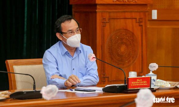 Bí thư Nguyễn Văn Nên: Tỉ lệ lây lan cộng đồng trong tầm có thể kiểm soát - Ảnh 1.