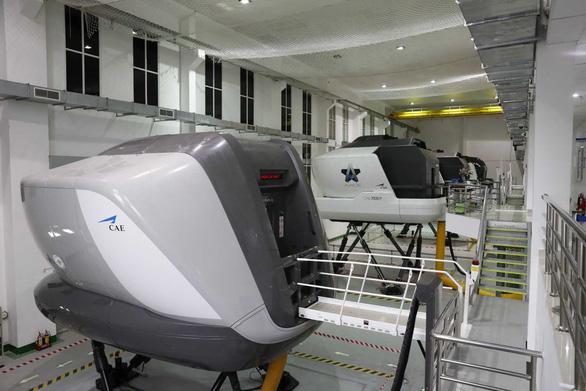 TP.HCM cho các trung tâm huấn luyện bay trên buồng lái mô phỏng được hoạt động - Ảnh 1.