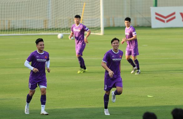 Vòng loại cuối cùng World Cup 2022: Ông Park xây lại hàng thủ - Ảnh 1.