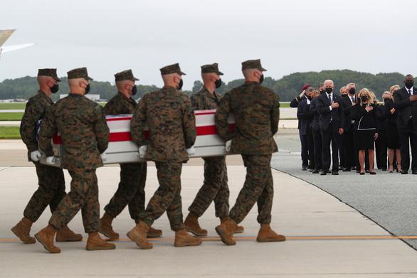 Việt Nam lên án vụ khủng bố ở sân bay Kabul của Afghanistan - Ảnh 1.