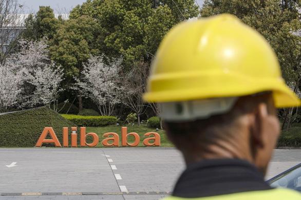 Alibaba sa thải 10 người làm lộ bê bối tấn công tình dục - Ảnh 1.