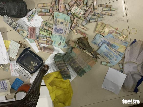 17 bị can bị khởi tố, 25 người đầu thú trong vụ án đánh bạc trên 2.000 tỉ đồng - Ảnh 2.