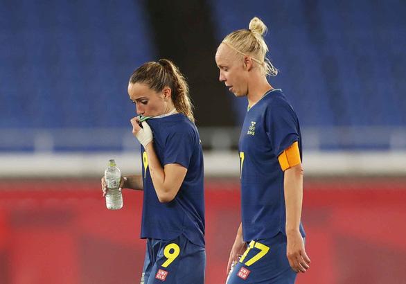 Thụy Điển và Canada muốn lùi trận chung kết bóng đá nữ - Ảnh 1.