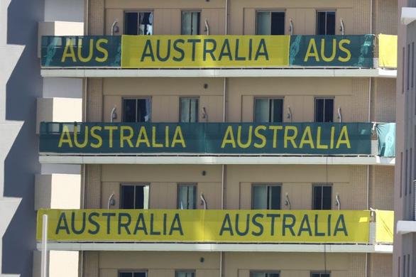 Thất vọng, VĐV Úc phá banh phòng, gây náo loạn trên chuyến bay về nước - Ảnh 1.