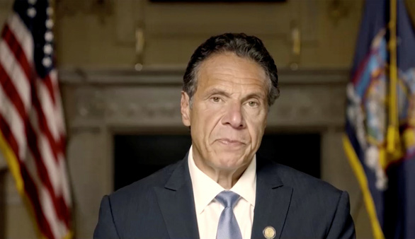 Thống đốc New York phủ nhận dâm ô hơn chục phụ nữ, kiên quyết không từ chức - Ảnh 1.