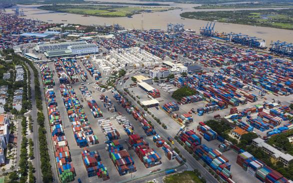 Khẩn cấp giải cứu cảng Cát Lái - Ảnh 1.