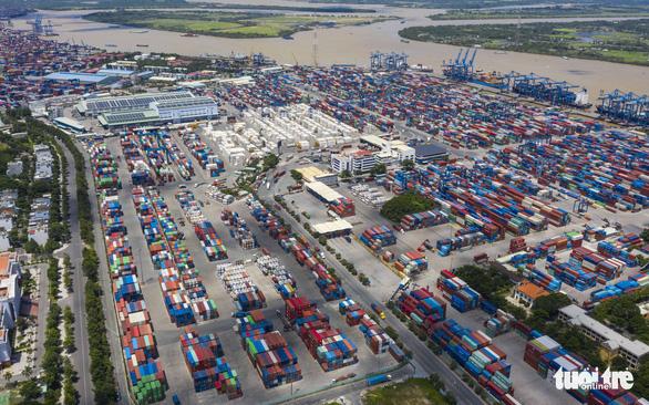Cảng Cát Lái quá tải nghiêm trọng, Bộ Công thương kiến nghị Thủ tướng gỡ khó - Ảnh 1.