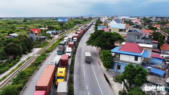 Ùn tắc giao thông ở Hải Phòng là do chưa thực hiện đúng chỉ đạo của phó thủ tướng - Ảnh 1.