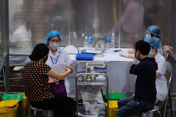 Tháng 9 sẽ có hơn 20 triệu liều vắc xin phòng COVID-19 - Ảnh 1.