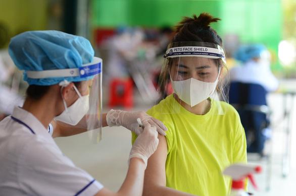 Chiều 5-8, cả nước 3.301 ca mắc COVID-19 mới, 3.708 bệnh nhân khỏi bệnh - Ảnh 1.