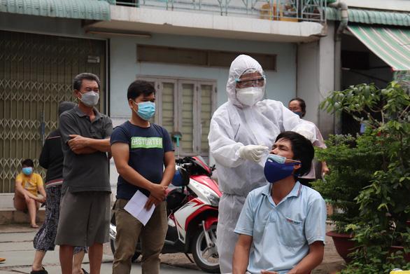 Một số doanh nghiệp Đồng Nai muốn chấm dứt '3 tại chỗ', công nhân đòi về nơi cư trú - Ảnh 1.