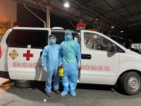 Tiếp nhận 1.000 đơn vị máu chi viện bổ sung cho ngân hàng máu khu vực ĐBSCL - Ảnh 1.