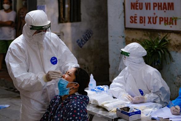 Hà Nội xét nghiệm cho 300.000 người để vét sạch F0 ra khỏi cộng đồng - Ảnh 1.