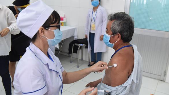 5 tỉnh thành muốn tiêm thử vắc xin Nano Covax, Bộ Y tế nói gì? - Ảnh 1.