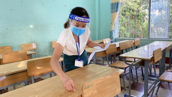 Thi tốt nghiệp THPT đợt 2: Thí sinh ăn ở ngay tại trường thi, được thầy cô tiếp sức - Ảnh 1.