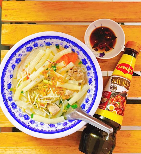 Mang ẩm thực đường phố Sài Gòn về nhà mùa dịch - Ảnh 2.