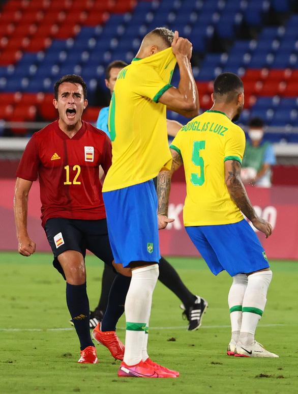 Brazil bảo vệ thành công HCV bóng đá nam Olympic - Ảnh 2.