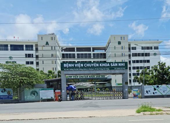 Bác sĩ trẻ trốn về quê giỗ cha và mắc COVID-19, cả bệnh viện phải ngưng khám chữa bệnh - Ảnh 1.