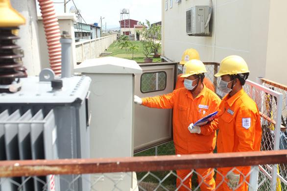 21 tỉnh thành phía Nam được giảm giá điện, giảm tiền điện - Ảnh 2.