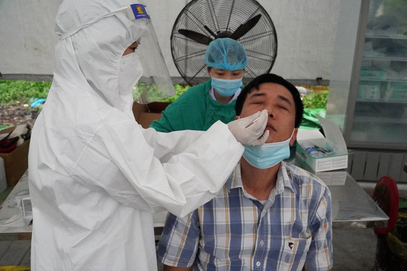 Quảng Ninh chỉ đạo xét nghiệm tất cả người lao động, công nhân để sàng lọc COVID-19 - Ảnh 1.