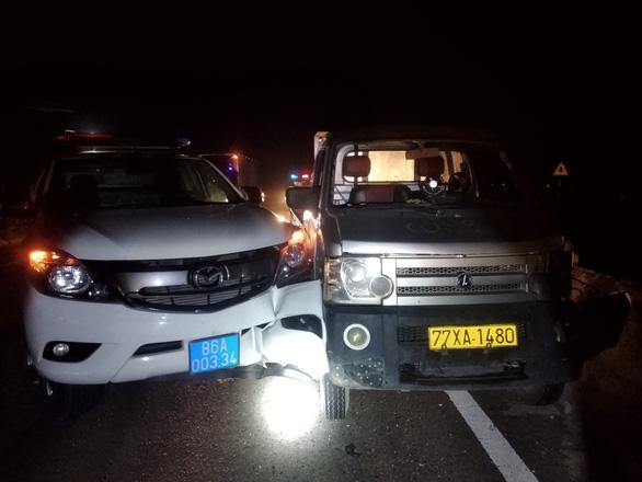 Kẻ trộm xe tải thông chốt kiểm dịch, tông hư hỏng xe CSGT - Ảnh 2.