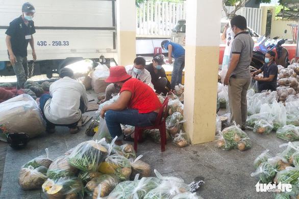 Dân bị phong tỏa đặt thực phẩm 4 ngày chưa giao, Đà Nẵng cắt hợp đồng nhà cung cấp - Ảnh 1.