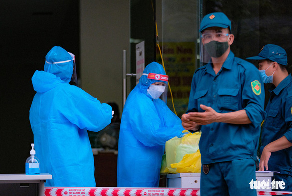 Hà Nội: Số ca mắc COVID-19 trong cộng đồng vẫn tăng, phong tỏa tòa nhà HH4C Linh Đàm - Ảnh 3.