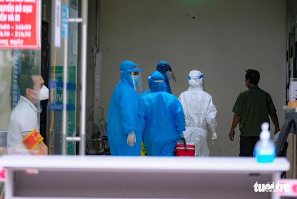 Hà Nội: Số ca mắc COVID-19 trong cộng đồng vẫn tăng, phong tỏa tòa nhà HH4C Linh Đàm - Ảnh 4.
