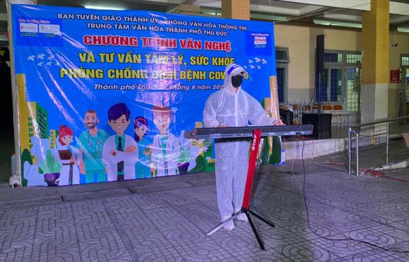 K-ICM, Nguyễn Phi Hùng hát cổ vũ tinh thần phòng chống dịch COVID-19 - Ảnh 2.