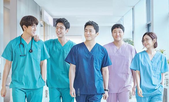 Hospital Playlist chữa lành cảm xúc về những bác sĩ tài hoa và đức độ - Ảnh 1.